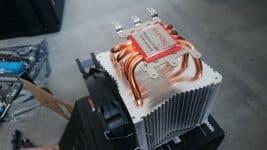 CPU-Kühler Folie entfernen