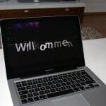 Macbook Pro - Foto vom Willkommensvideo