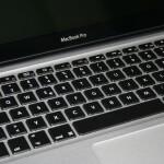Macbook Pro mit beleuchteter Tastatur