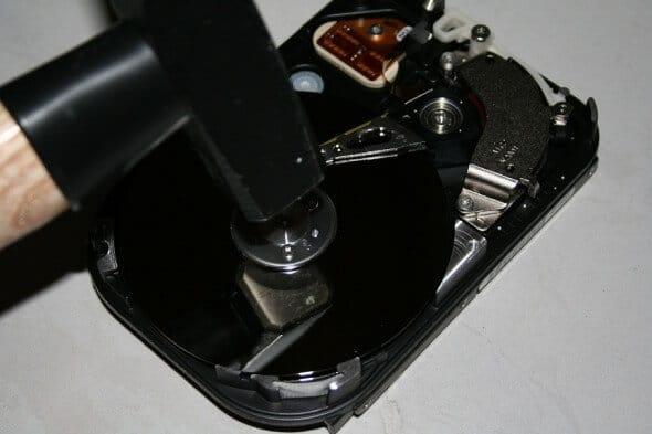 Festplatte zerstören