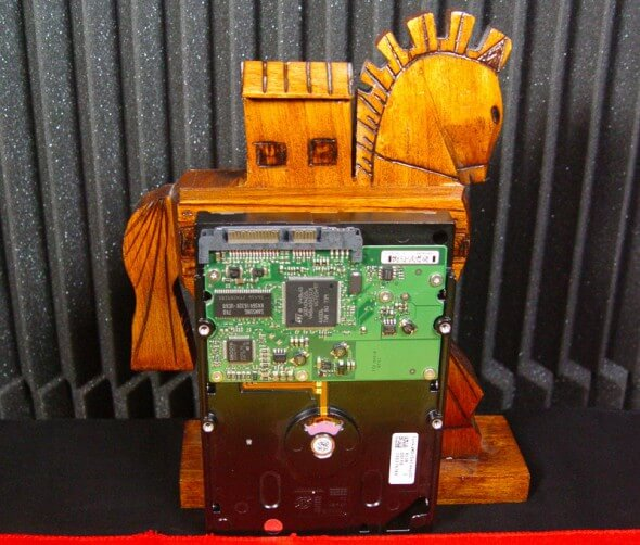 trojanisches Pferd und Festplattetrojanisches Pferd und Festplatte
