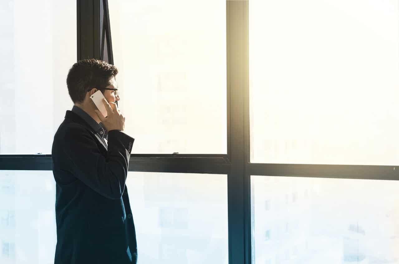 Wie richte ich für mein Unternehmen eine 0800-Nummer ein?