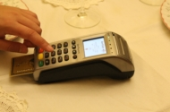 Chipkartenleser erleichtern die digitale Verarbeitung von Personalausweis, Online-Banking und Co.