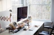 Ein ergonomischer Arbeitsplatz steigert die Produktivität und spart Folgekosten
